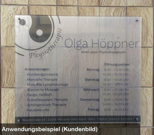Schild satiniert Physiotherapeut
